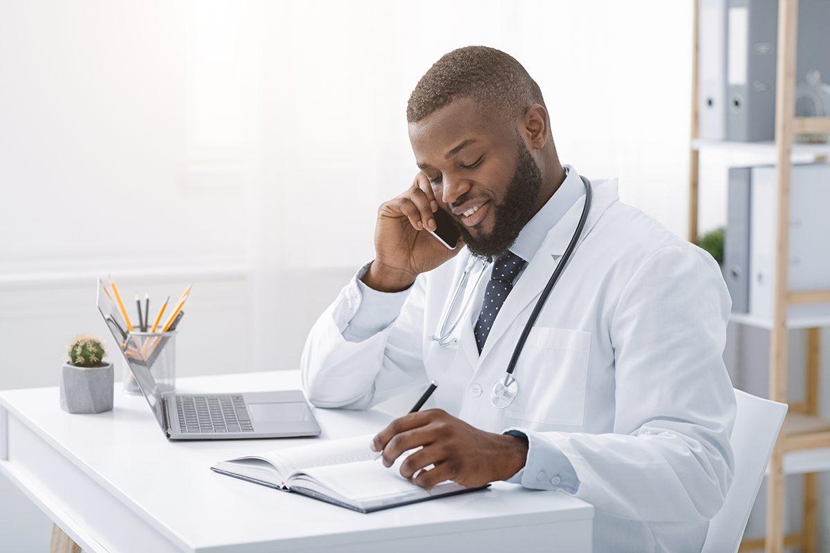 Como otimizar o atendimento telefônico de uma clínica médica em tempos de pandemia?